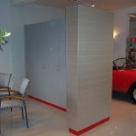 Alfa Romeo Verkaufsraum mit Raumteiler