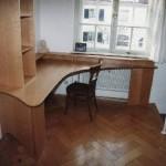 Schreibtisch zu Hause in Elsbeere
