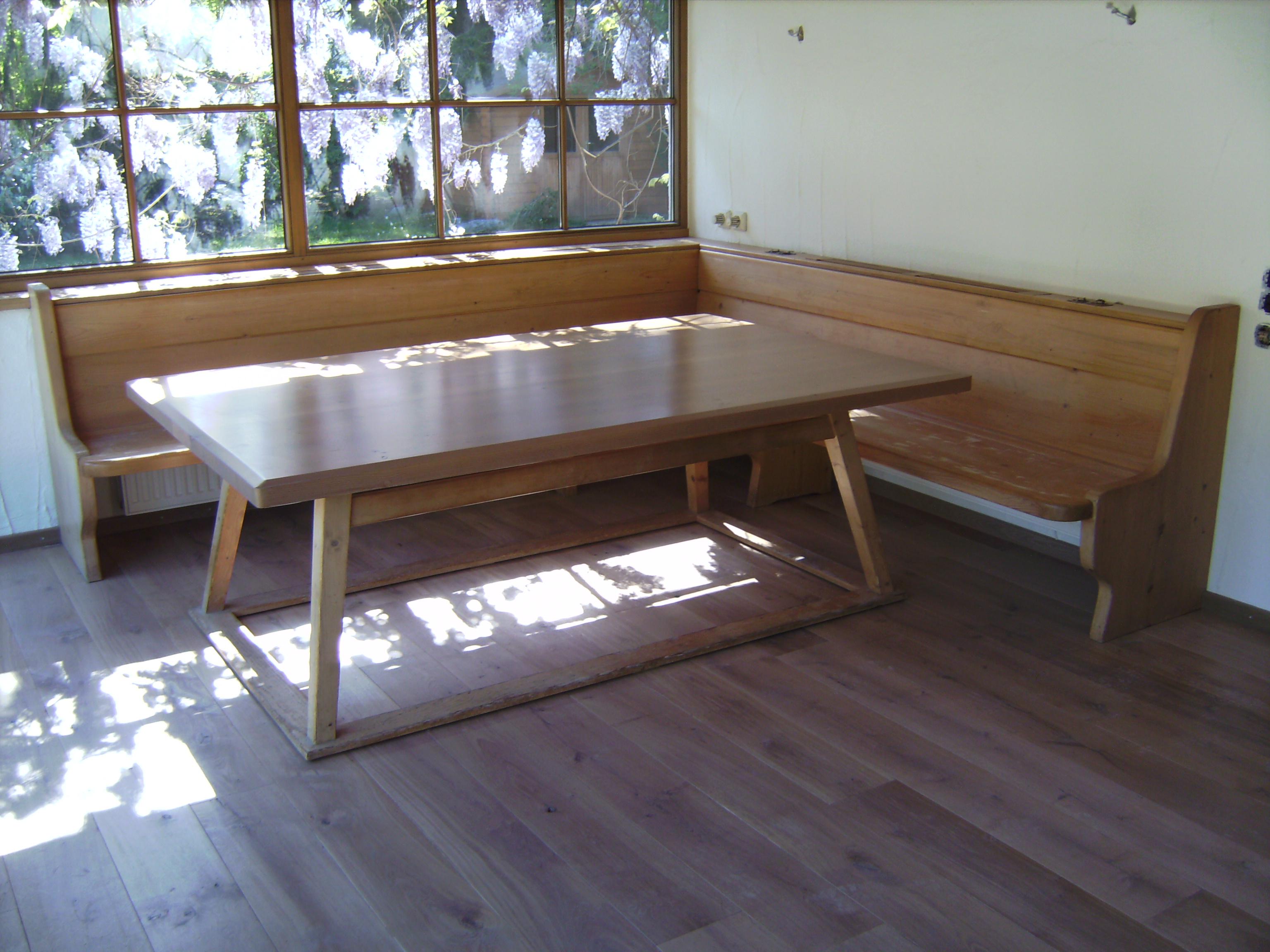 Sitzbank in Fichte mit Tisch