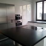 Küche weiß hochglänzend mit Insel