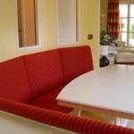 Eßzimmer in Schleiflack matt weiß mit Tisch profiliert