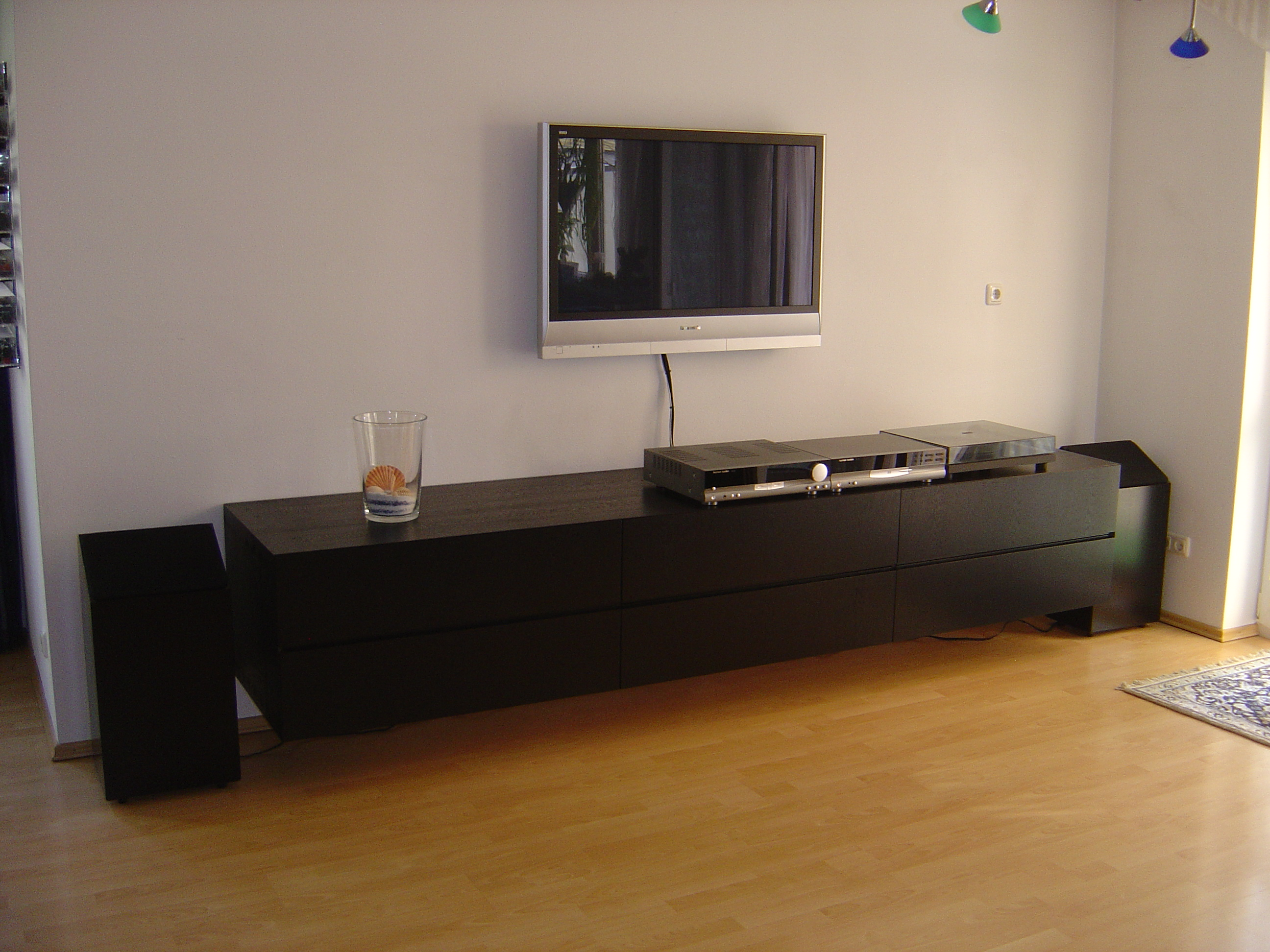 Sideboard in ESCHE schwarz gebeizt und schwarz lackiert mit 8 Schubkästen und Einteilung auf BLUM Motion mit Selbsteinzug