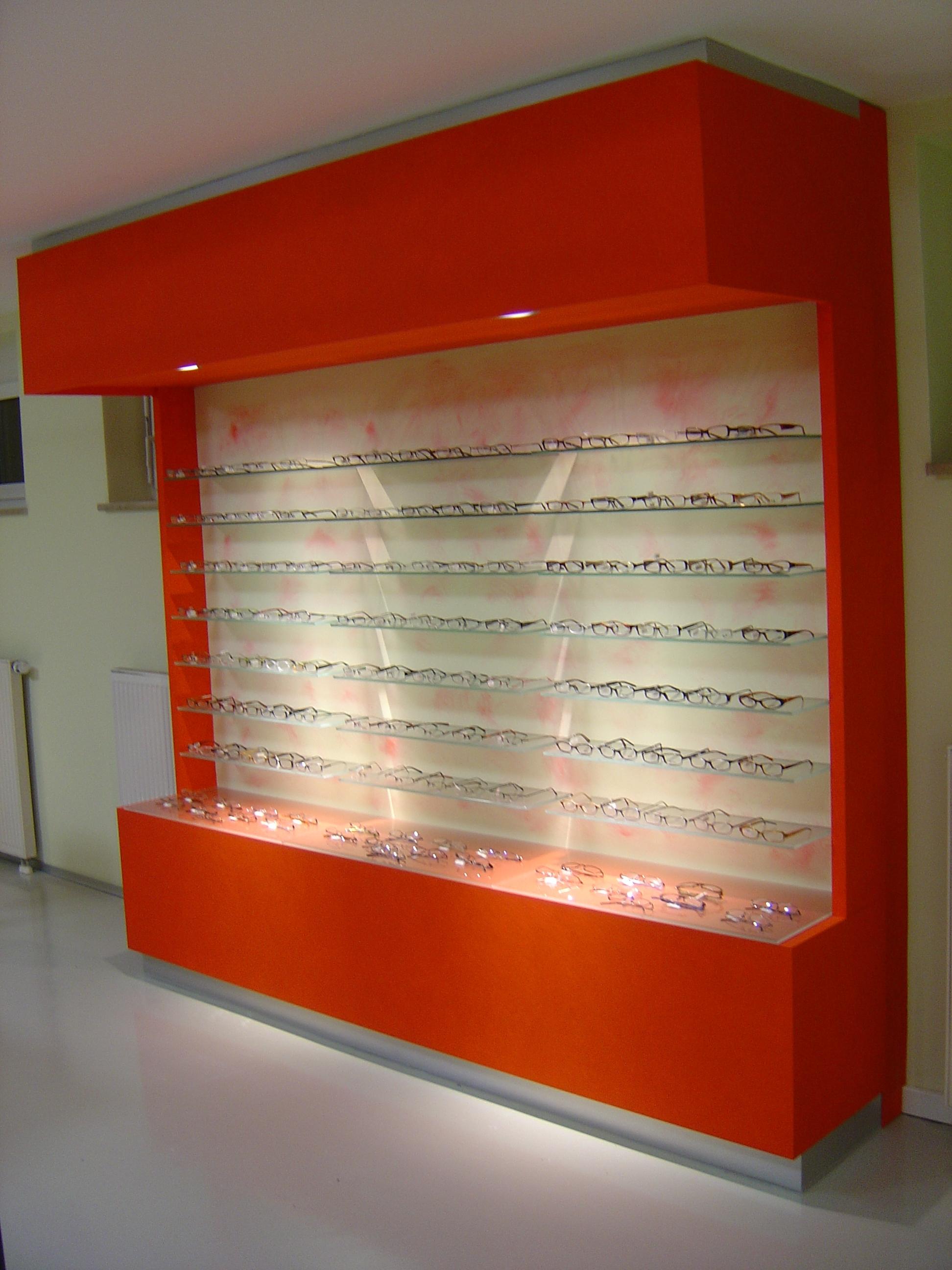 Optiker Warenpräsenter in Wenge