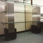 Bücherregal in Edelstahl und Glasplatten in 20 mm Floatgla