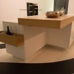 Küche mit Kochinsel mit BORA Dunstabzug integriert