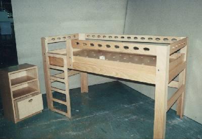 Kinderbett in Multiplex