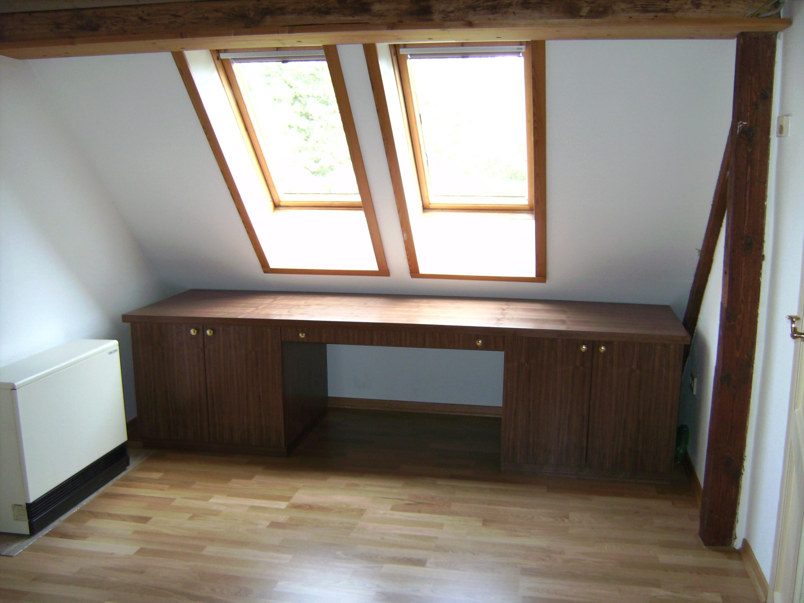 Schreibtisch in Macore'